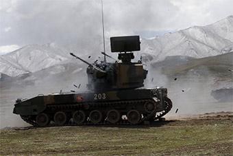 高海拔地区自行高炮展示强大防空火力