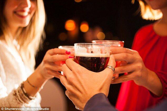 功能饮料和酒混着喝容易使人产生暴力倾向