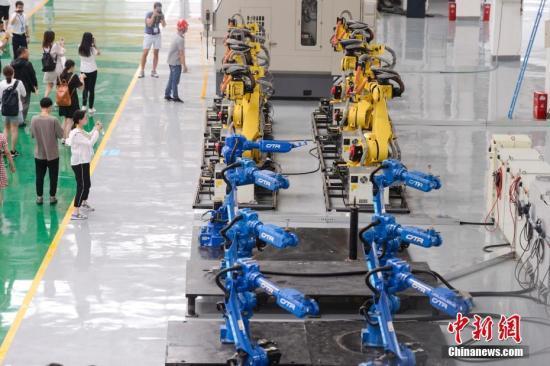 美加征关税是否影响中国机器人生产 发改委回应