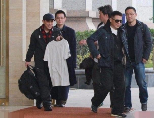 李连杰雇哥哥为自己工作 被曝薪酬不低年薪120万