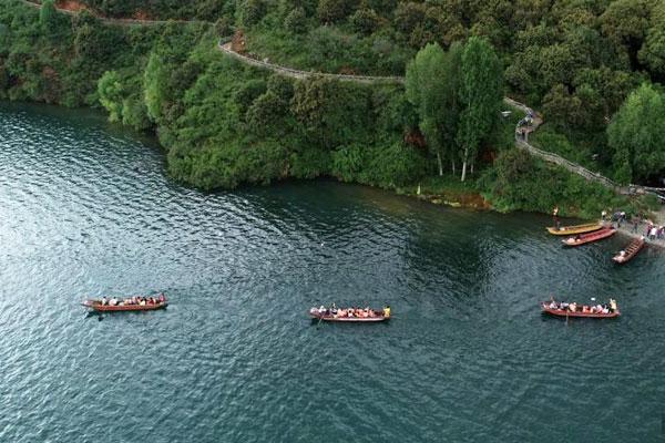 八月的泸沽湖景色迷人 看醉游人