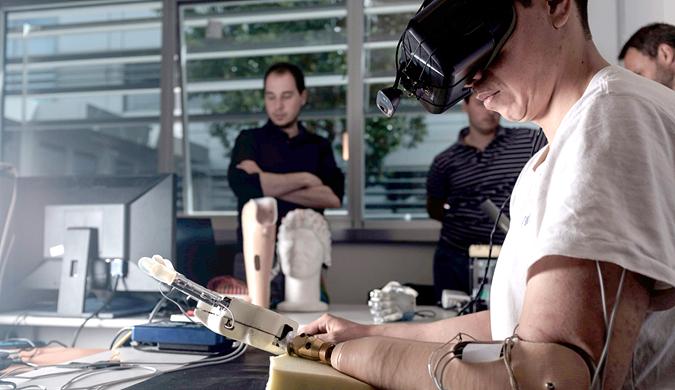 """科学家利用虚拟现实让截肢者感觉假肢""""成真"""""""