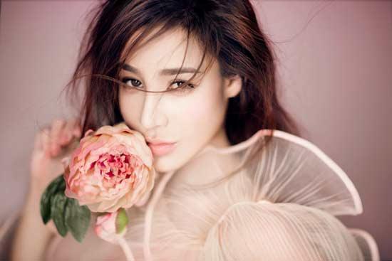 樊锦霖拍摄花漾写真 梦幻魅惑如仙境走出