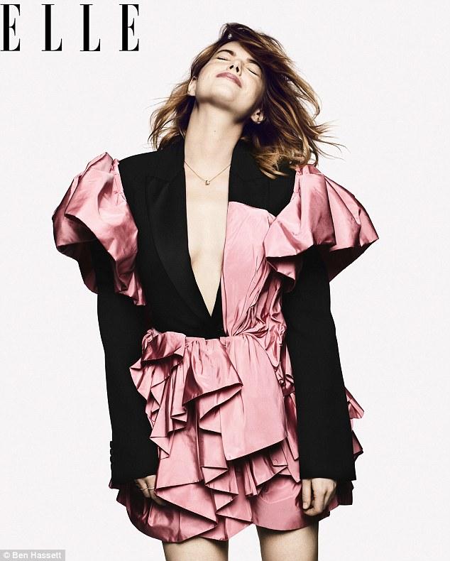 艾玛•斯通登《Elle》杂志封面 首谈30岁人生