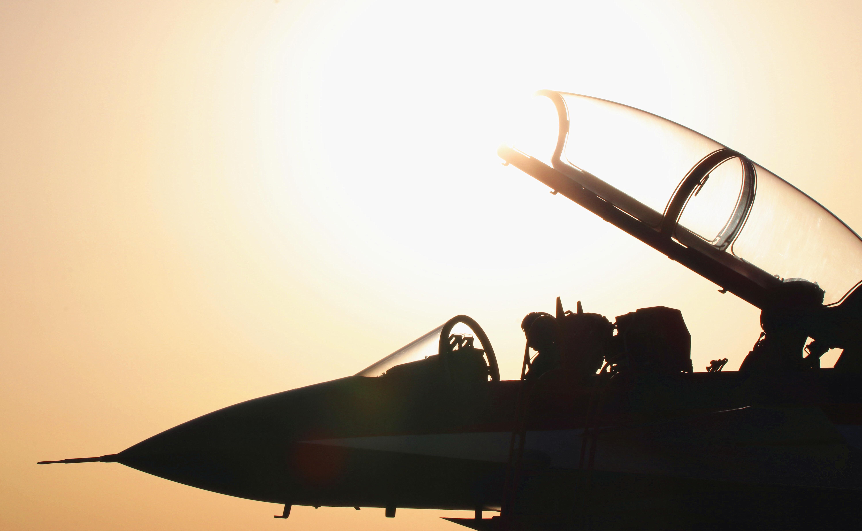 赴俄飞行表演 中国空军发布形象宣传片《和平飞舞》