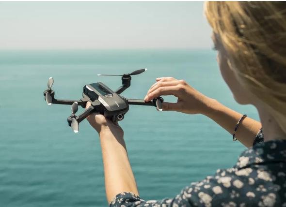 Yuneec的最新无人机配备4K拍摄语音控制和人脸检测