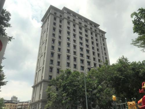 有钱就是任性!台北一闹区豪宅7年来整栋无住户