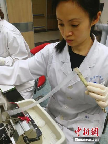 中国执业医师数量稳步增长 每千人口医师数达2.4人