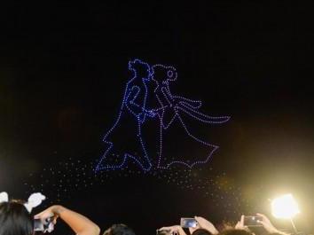长沙:无人机表演迎七夕