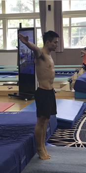 邱波训练照八块腹肌炸裂 陈艾森一丝不苟