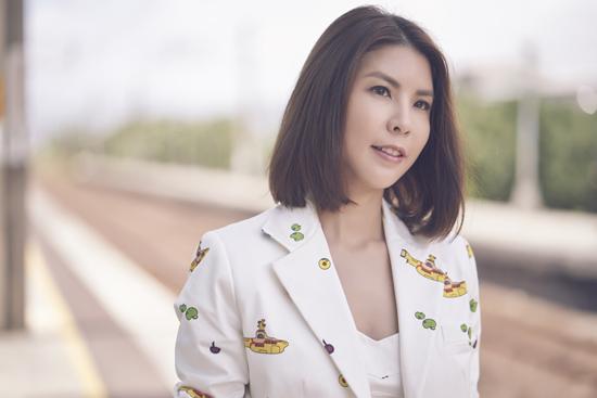 """许茹芸夏日告白歌曲""""爱就爱吧""""  8/21全球发行"""