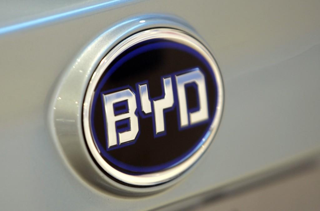 比亚迪百辆e6曼谷交付 成泰国最大电动车供应商