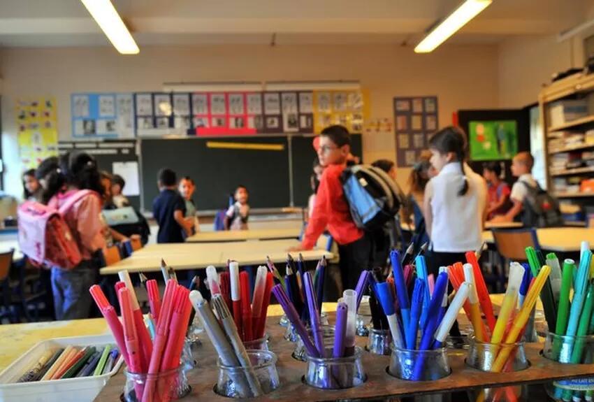 为迎开学季 法国政府向适龄孩子家庭发放文具补助