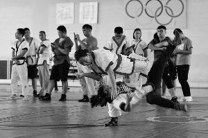 体验中国式摔跤