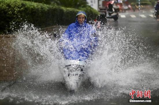 台风温比亚带来疾风劲雨 江苏部分河湖站点超警戒水位