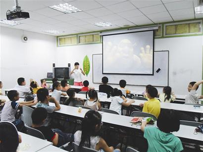 暑期班:违规培训为何不消停?