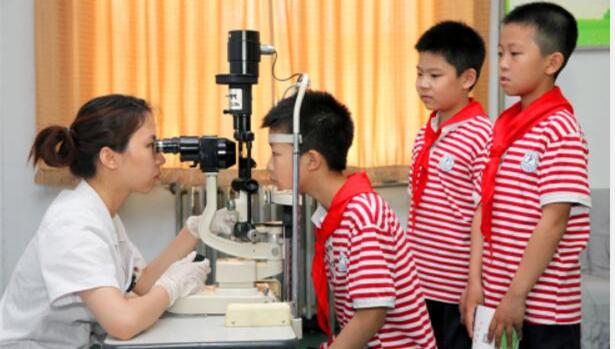 中国青少年近视率居世界第一:小学生近视率接近40%