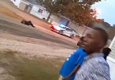 美12岁少女偷开母亲汽车 横冲直撞致一警员受伤