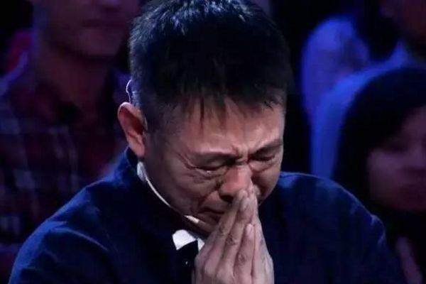 李连杰身价数亿,患上了甲亢不能做剧烈运动,面容憔悴苍老如80多岁