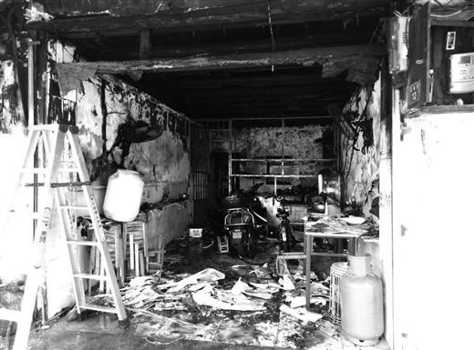 滤粉店凌晨两次起火 门店物品基本烧毁