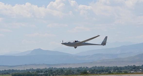 StratoAirNet第二架太阳能电动飞机首次试飞
