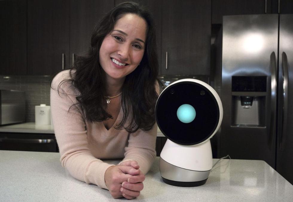 谈谈社交机器人 它们是一群笨蛋还是大有可用?