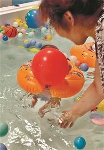 水质未经检测安全缺乏保障 婴儿游泳馆谁来监管?