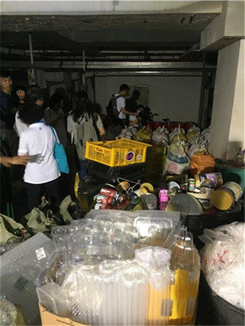 市民参观侨香村垃圾分类做法,楼层撤桶 + 定点督导效果好