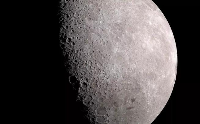 美国宇航局在月球表面发现冰:离居住又近了一步