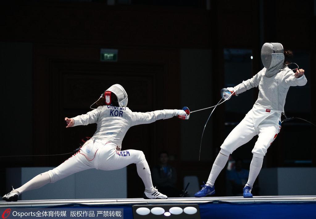女子佩剑团体赛中国憾负摘银 韩国队强势卫冕