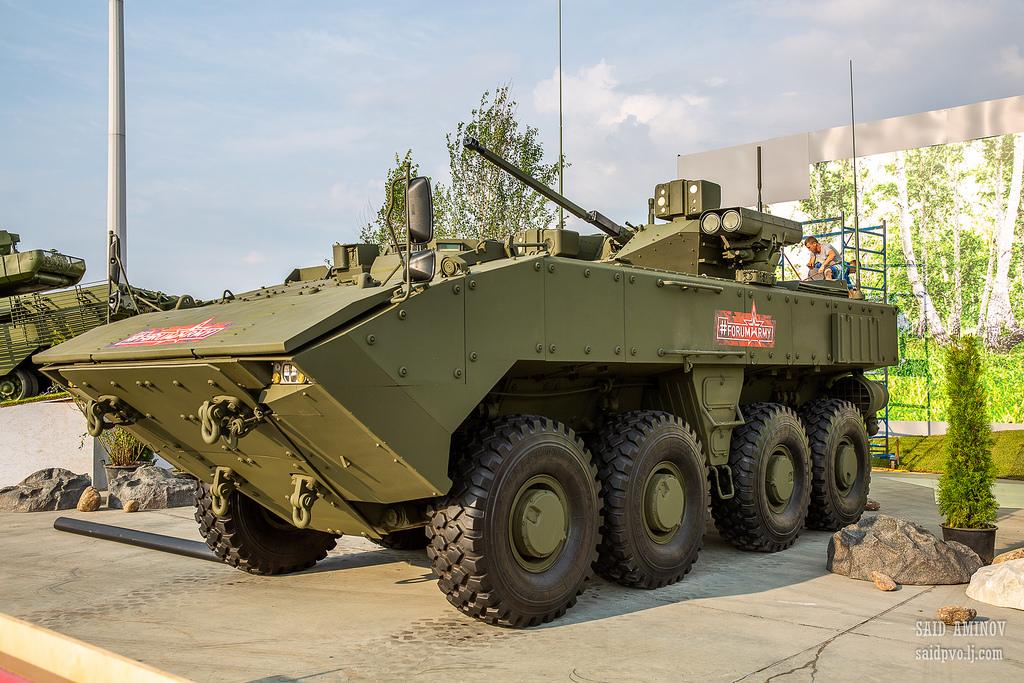 俄军队2018论坛新装备不少 将签超400亿卢布合同