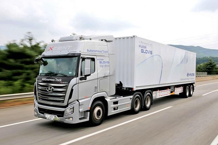 现代自动驾驶卡车在韩完成首次高速公路短途通行