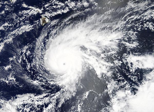 23年最强飓风将登陆夏威夷:一度达到5级,全州严阵以待