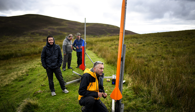 英格兰举办国际火箭周 发烧友自制火箭飞上天