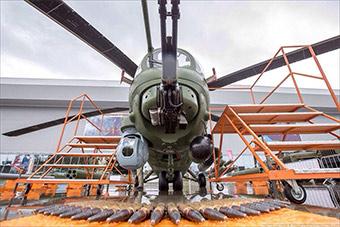 俄军队2018军事论坛米35M武直挂最先进导弹亮相