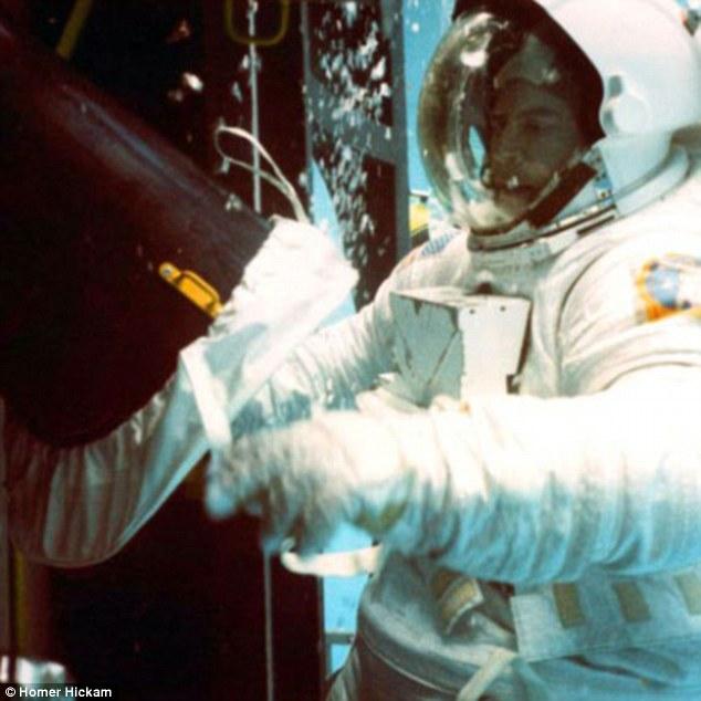 NASA实习生因在社交平台上辱骂太空专家被开除