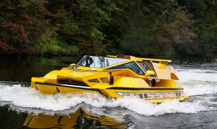 设计狂人打造水陆两栖汽车 耗资超100万美元