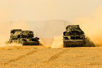 大漠深处防空部队展示全天候防空作战能力