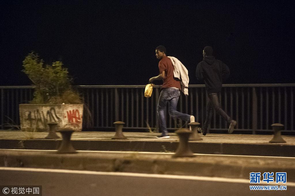 西班牙难民人数不断增多 穿越国境前往法国