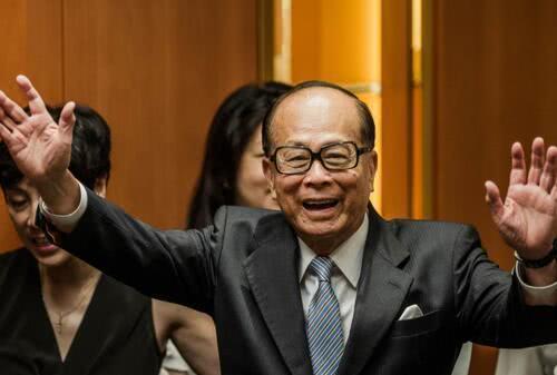 世界级隐形富豪,继承父亲全部现金财产,曾错卖腾讯股份