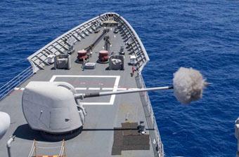 美军多艘宙斯盾舰现身东海 实弹射击炫耀武力