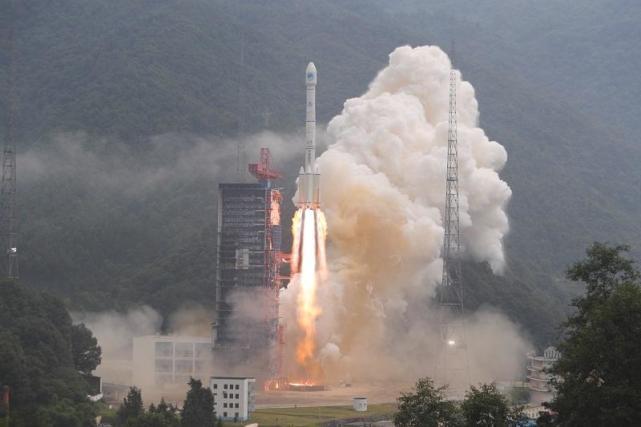 又是一箭双星 中国成功发射两颗北斗导航卫星