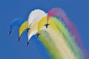 八一飞行表演队在俄国际军事技术论坛精彩亮相