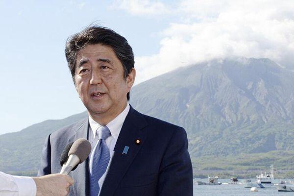 日本首相安倍晋三正式宣布参选自民党总裁