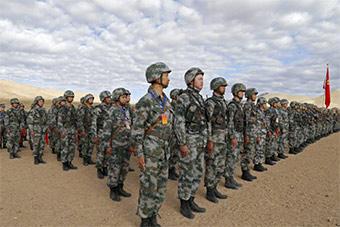 海拔4300米岗位大练兵 考验战场救护能力