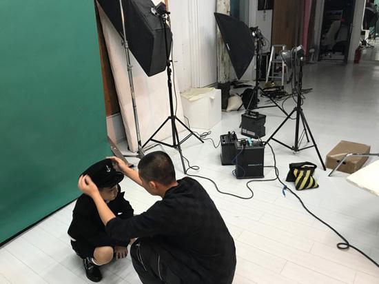EC一平赴京拍摄新歌MV 新专辑神秘面纱将被揭开