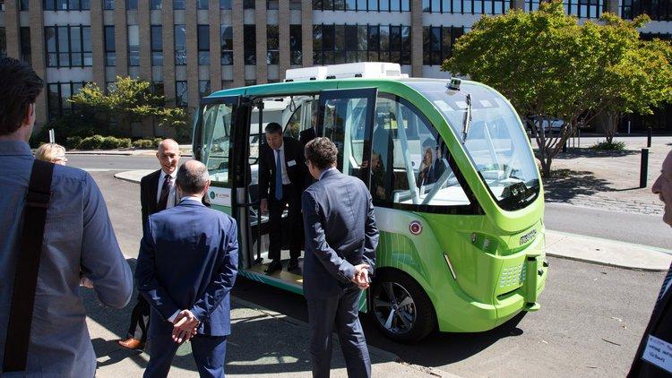 全自动出行并不遥远 无人驾驶巴士完成一年试运行