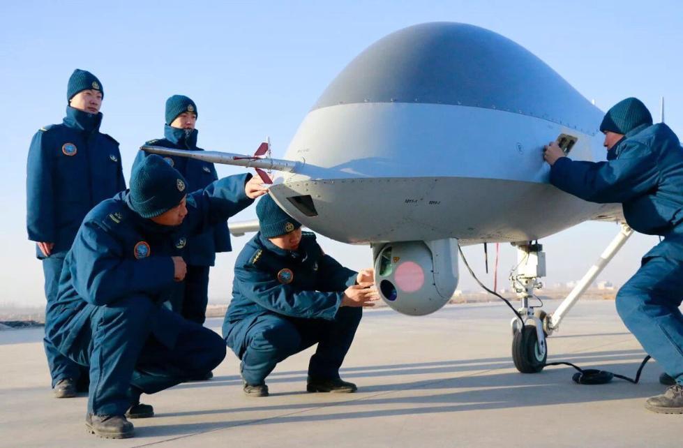 港媒:解放军广泛装备无人机 长航时机型可监视美国航母