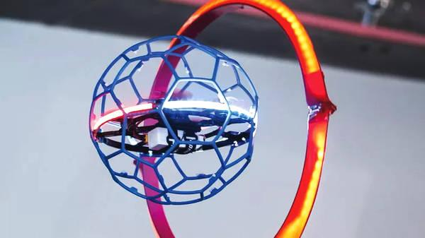 Droneball 「无人机球」攻防大战,官方比赛不比速度比入球?