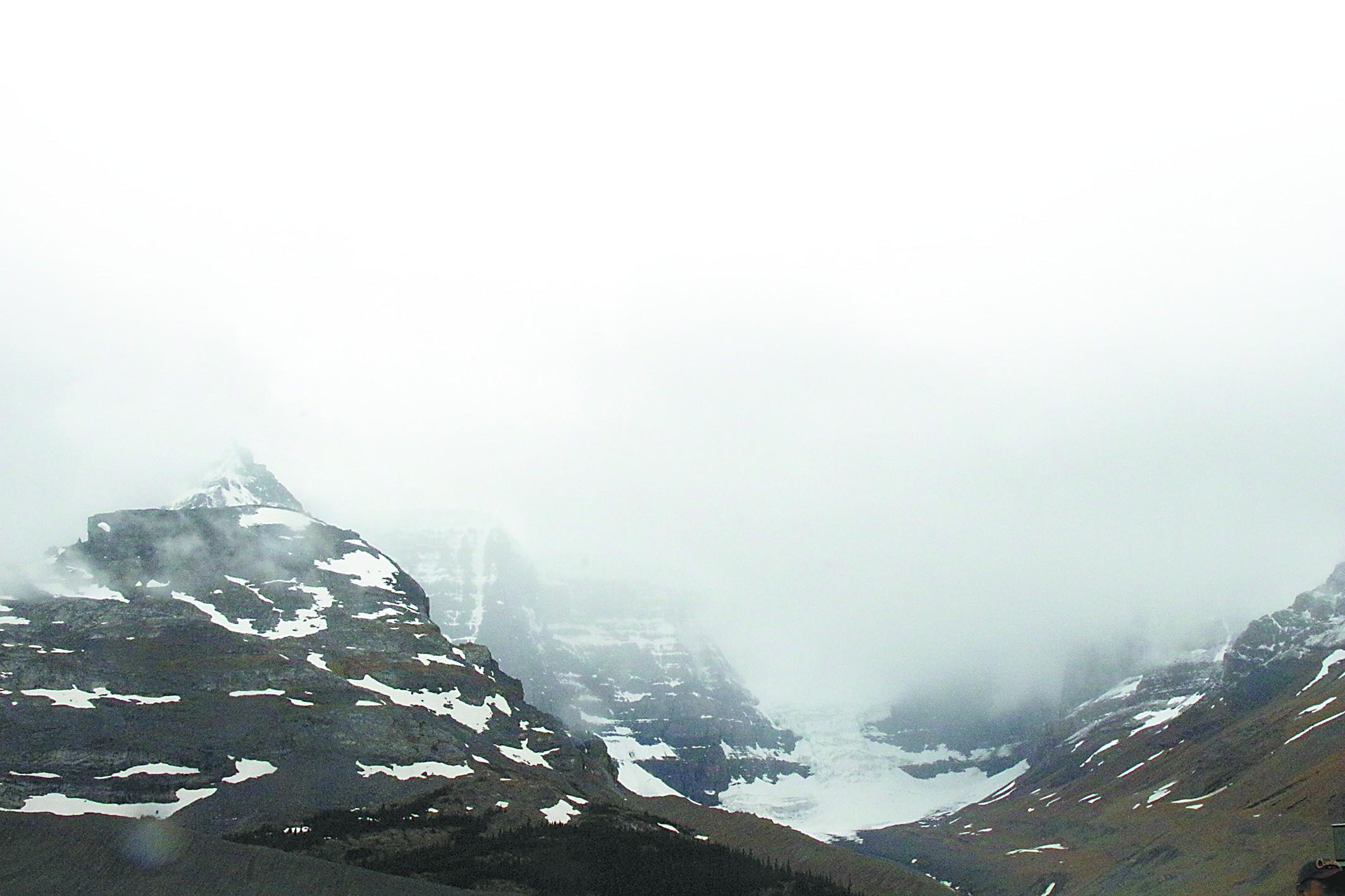 """走进加拿大""""最后的冰川"""""""